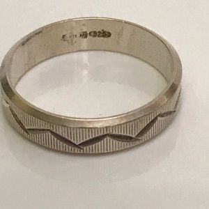 Vintage Jewelry - 925 Band Ring